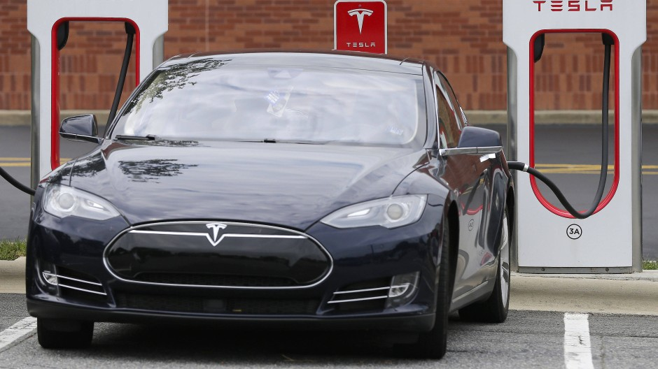 Ob es Tesla gelingt, mit seinen Elektroautos für den Massenmarkt profitabel zu werden, ist noch lange nicht ausgemacht.