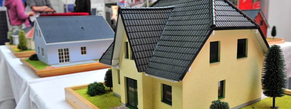 niedrige zinsen verbrauchersch tzer warnen vor leichtsinn beim immobilienkauf nachrichten faz. Black Bedroom Furniture Sets. Home Design Ideas