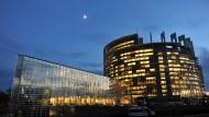 EU-Parlament und Ukraine unterzeichnen Abkommen