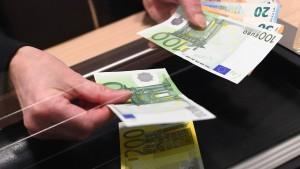 Gebühren für Zahlungen am Schalter erlaubt