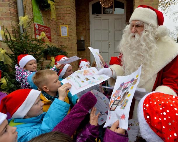 Briefe Nach Himmelpfort : Bild zu weihnachtspostamt schon mehr als briefe