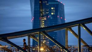 EZB weitet Hilfen vorerst nicht aus