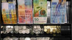 Eurokurs verliert gegenüber wichtigen Währungen