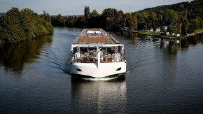 Geklagt hatte ein Ehepaar, das bei einem niederländischen Reiseveranstalter eine viertägige Flusskreuzfahrt gebucht hatte.