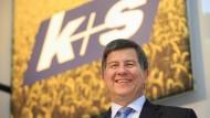 K+S  verliert über Nacht 40 Prozent an Wert. Die Aufsicht ermittelt, der Chef muss sich rechtfertigen.