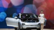 Das war 2013. BMw präsentierte sein ersten E-Auto i3 in China. Nun wollen die Chinesen in diesem wichtigen Markt mitreden.