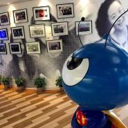"""Das Maskottchen des chinesischen Fintechs """"Ant Financial"""" in einem Büro in Hangzhou"""