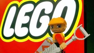 Mädchen beschwert sich bei Lego über Rolle der Jungs