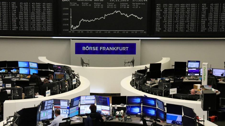 Eine Richtungsfindung am deutschen Aktienmarkt dürfte in der neuen Handelswoche schwieriger werden.