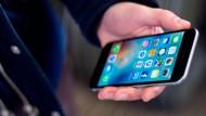 Fällt ein Smartphone auf den Boden und der Display splittert, ist dies ärgerlich. Spezielle Folien sollen dies verhindern.