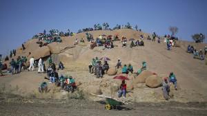 Der krisengeschüttelte afrikanische Konzern Lonmin wird verkauft