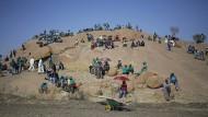 Im letzten Moment gerettet: Der südafrikanische Platinförderer Lonmin wird an den Bergbaukonzern Sibanye-Stillwater veräußert.
