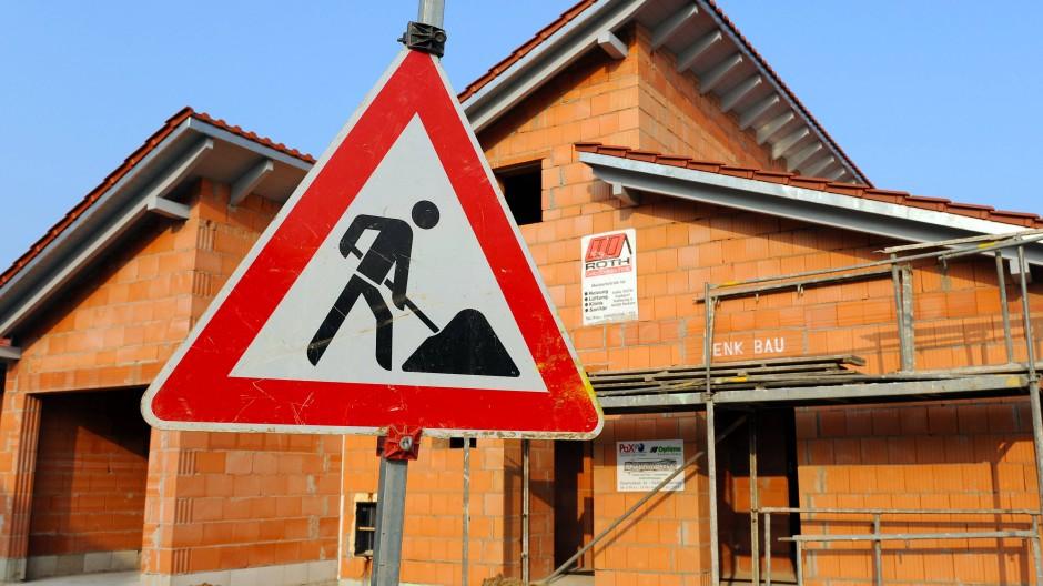 Sondertilgungen lohnen sich bei der Baufinanzierung.