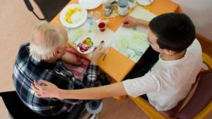 Angehörige müssen nicht unbegrenzt für hohe Pflegekosten einstehen