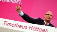 Der Vorstandsvorsitzende der Deutschen Telekom, Timotheus Höttges, zahlt seinen Aktionären auch in 2016 eine Dividende aus.
