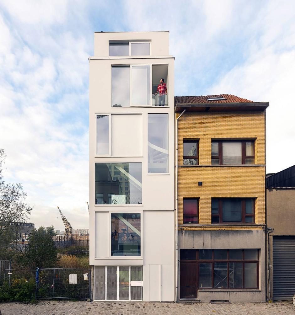 200 Quadratmeter, verteilt auf fünf Stockwerke: Der Architekt Hansi Ombregt kaufte sein Haus so günstig, dass genug Geld für den kompletten Umbau blieb.