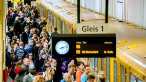 Deutschland, Land der Bus- und Bahnfahrer
