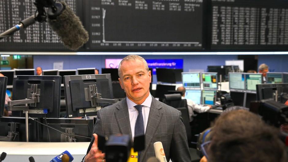 Deutsche Börse-Chef Carsten Kengeter steht weiter unter Druck.