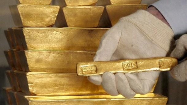 Öl und Gold gefragt, Aktien schwach