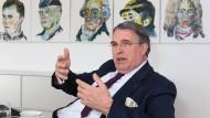 Stefan M. Knoll, Gründer und Vorstandsvorsitzender der Deutschen Familienversicherung.