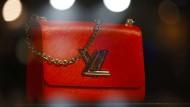 Nicht nur bei den Verbrauchern beliebt: Der Börsenaufstieg der Luxusbranche LVMH scheint nicht zu stoppen.