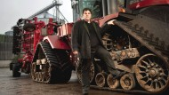 Spekulanten mag er nicht, lieber die ehrliche Arbeit mit Landmaschinen: Siegfried Hofreiter machte mit der KTG Agrar einen Kindheitstraum wahr. Dafür mussten andere die Rechnung zahlen.