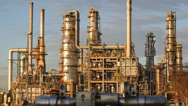 Raffinerien produzieren mehr Heizöl