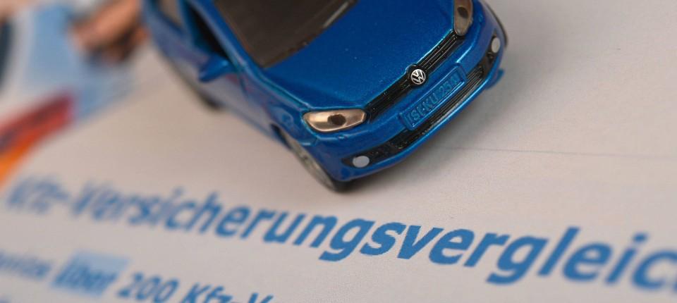 Rauer Ton Im Kampf Um Die Kfz Versicherung