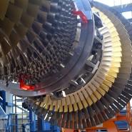 Turbinenläufer im Gasturbinenwerk von Siemens Energy