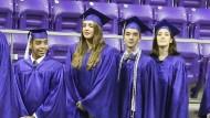 Amerikanische Studenten bei ihrer Abschlusfeier.