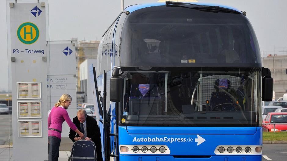 Zu Private Equity fährt auch ein Bus - gemeinsam mit anderen Anlegern.