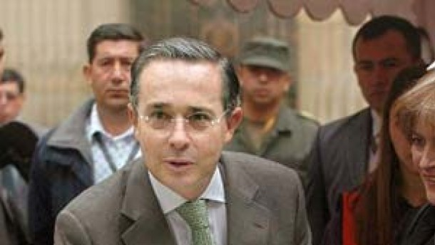 Uribes Wiederwahl dürfte Kolumbiens Peso stärken