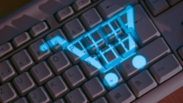 Verbraucher kaufen im Internet am liebsten auf Rechnung