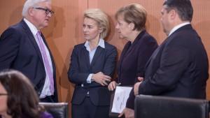 Bundeskabinett beschließt Flüchtlingsausweis und Datenaustausch