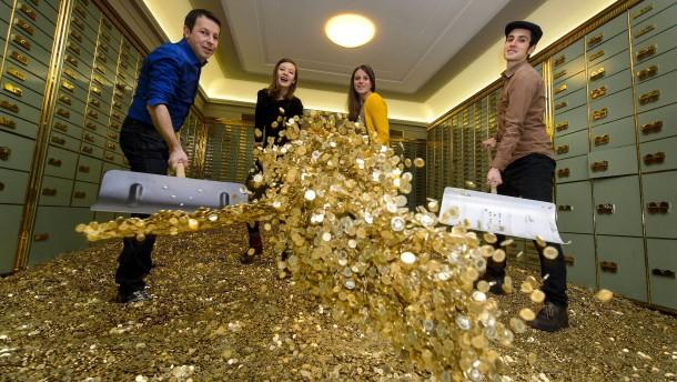 Trotz Negativzinsen fließen Banken immer mehr Einlagen zu