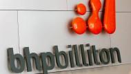 Rohstoffkonzerne wie BHP Billiton bereiten sich auf schlechte Zeiten vor.
