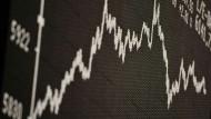 Börsennotierte Indexfonds versuchen den Vergleichsindex genau abzubilden, zum Beispiel den Dax.