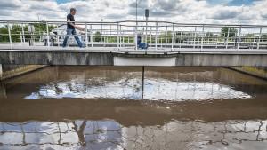 Pharma- und Pestizidhersteller sollen für Abwasserklärung zahlen
