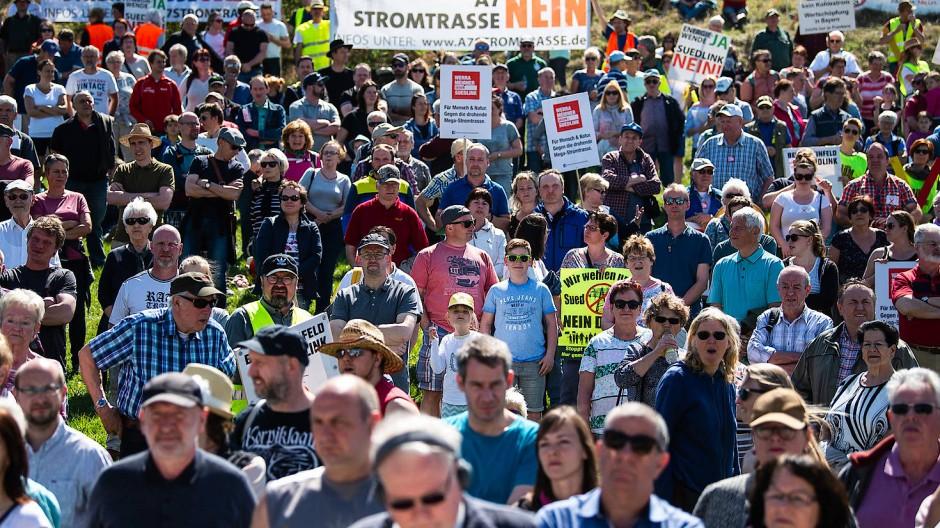 Demonstration gegen Stromleitung im April in Thüringen
