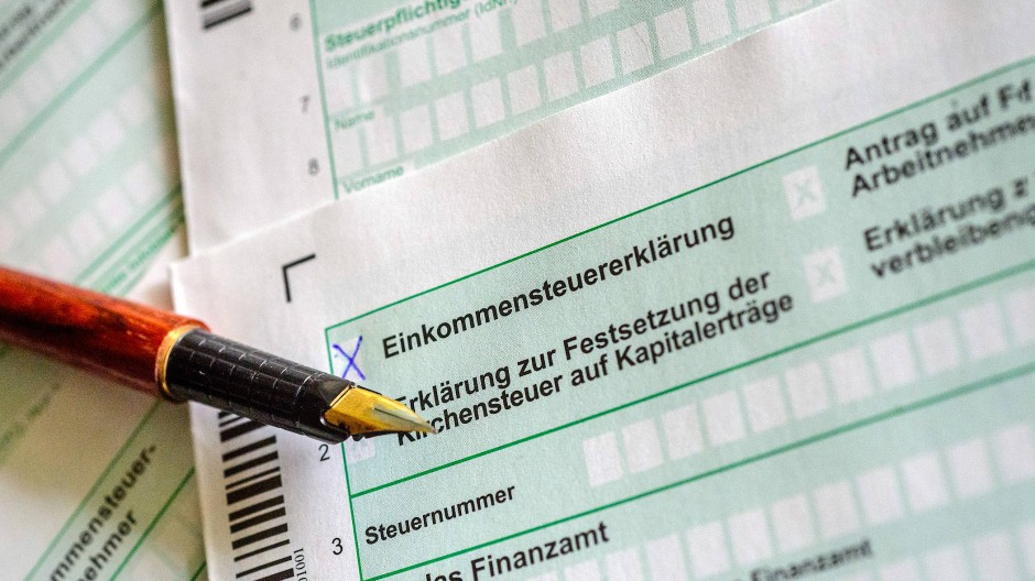 Papierformular für die Einkommensteuererklärung