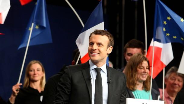 Erster Schlagabtausch von Frankreichs Präsidentschaftskandidaten