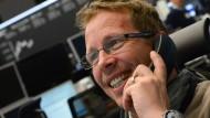 Die Händler an der Frankfurter Börse haben weiter gute Laune