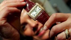 Anstieg des Uhrenexports treibt Richemont-Aktie auf neue Höhen