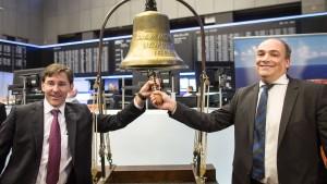 Hapag-Lloyd-Aktie startet leicht über Ausgabekurs