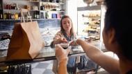 In Schweden werden auch Kleinstbeträge häufig per Kartenzahlung beglichen.