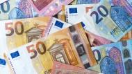 Bargeld lacht: Auch Selbständige und kleine Unternehmer benötigen Finanzdienste aller Art