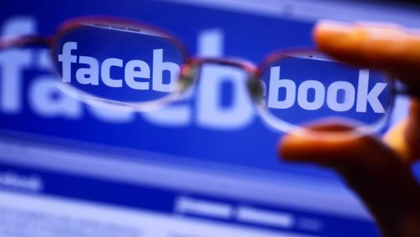 Facebook-Nutzer schränken sich selbst ein