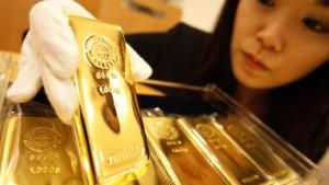 Goldpreis reagiert auf Bewegung am Devisenmarkt
