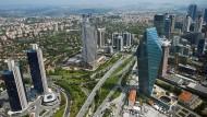 Blick auf den Finanzdistrikt Levent in Istanbul