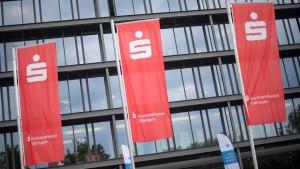 Landgericht gibt grünes Licht für Negativzinsen bei Riester-Sparplan